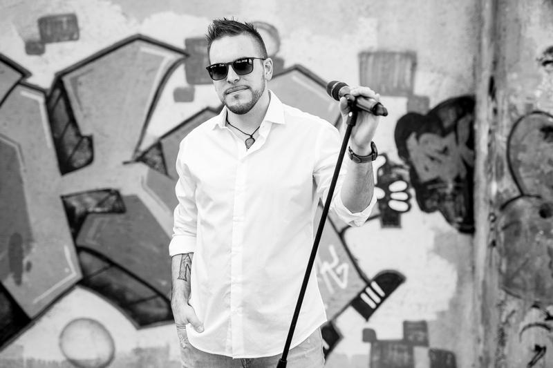 singer, cover band, fran karabaic