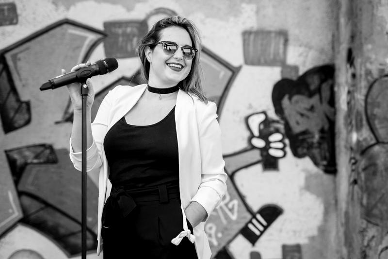 singer, cover band, veronika kamenar
